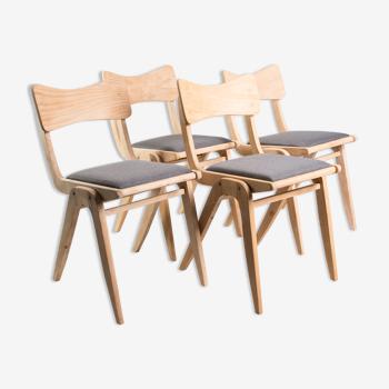 Ensemble de 4 chaises bumerang des années 1960.
