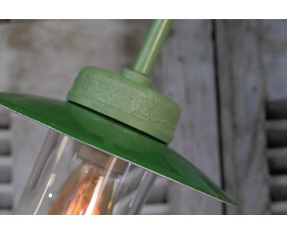 Metal gooseneck wall lamp and cast cast metal