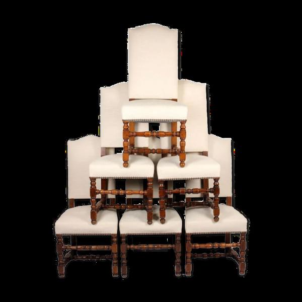 Suite de 6 chaises de style Louis XIII restaurées