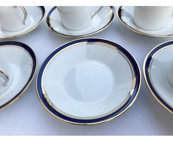 10 tasses à café et sous-tasses en porcelaine de limoges blanche à filet bleu marine et or, haviland