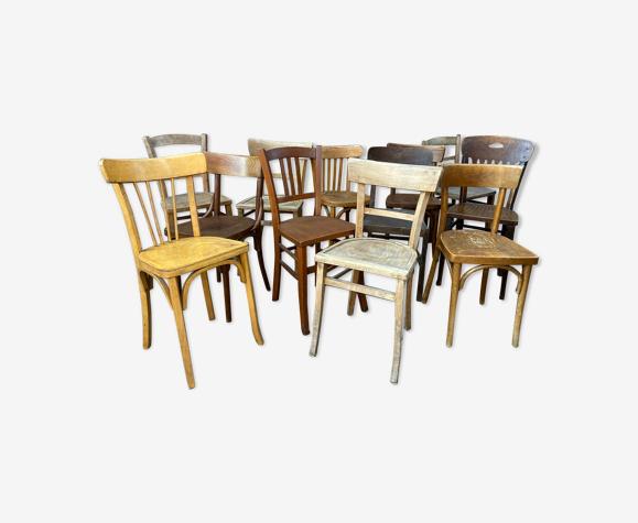 Lot de 12 chaises bistrot dépareillé bois courbé vintage