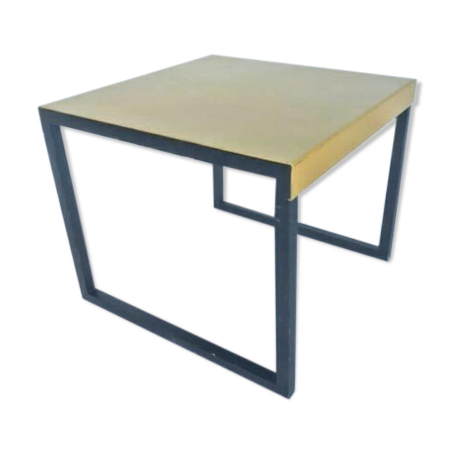 Table Habitat 1980 n 1709 metal noir dessus jaune