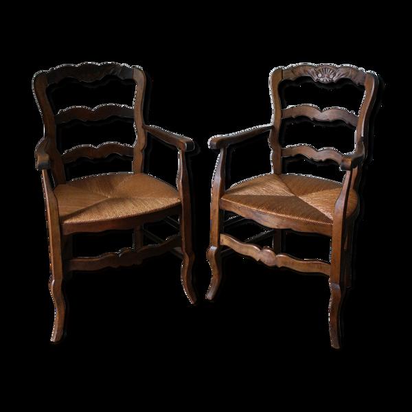 Paire de fauteuils paillés Louis XV provençale en hêtre