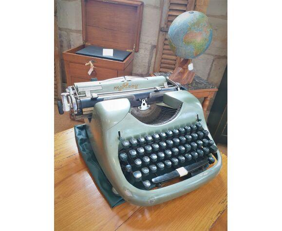 Vintage m.j. rooy typewriter