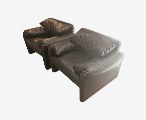 Paire de fauteuils Maralunga par Vico Magistretti