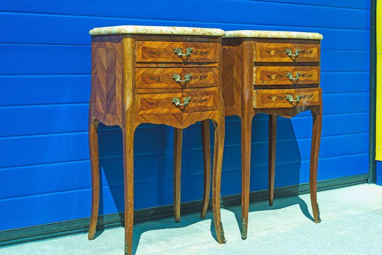 Paire tables de chevet en style Louis XV dessus marbre
