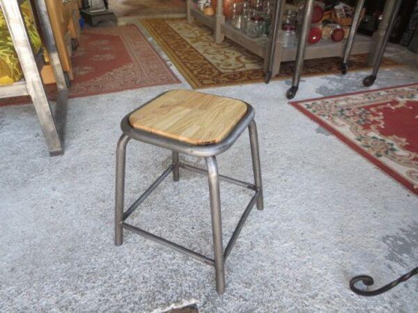Ancien tabouret d'atelier métal & bois