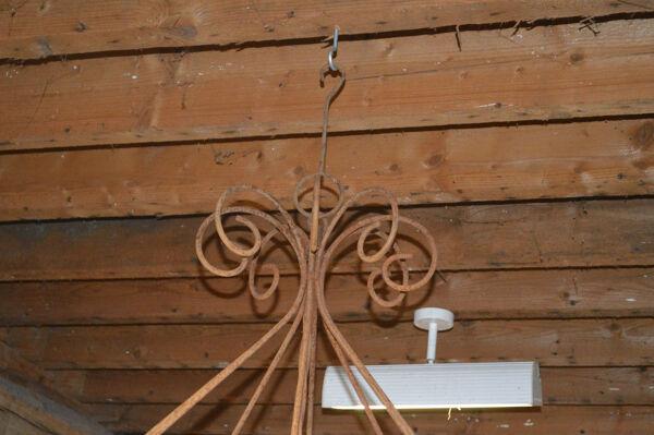 Lustre a bougies en fer forgé / 118 cms de diamètre