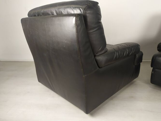Paire de fauteuils 1970 cuir noir