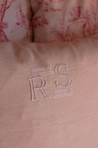 Coussin lin écru monogrammes blancs R S