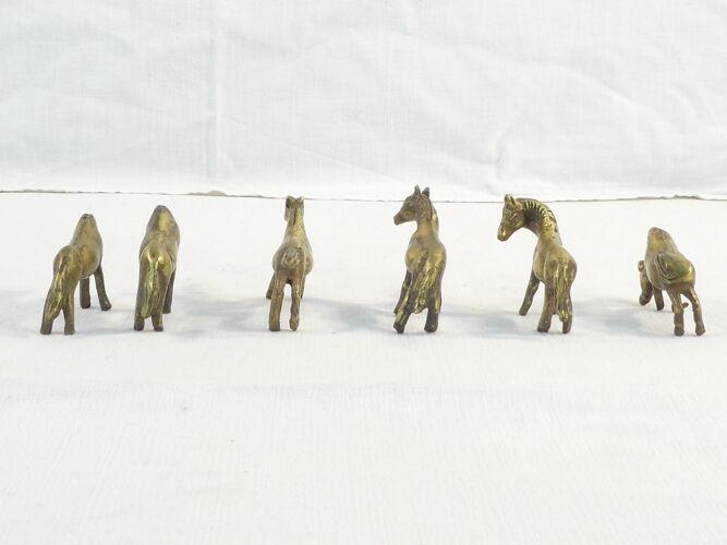 Lot de 6 petits chevaux en bronze