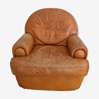 Old leather club style armchair / Vintage