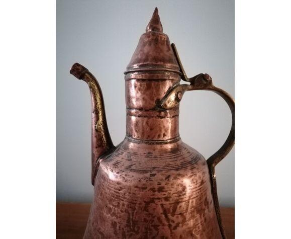 Ancienne théière, art populaire marocain