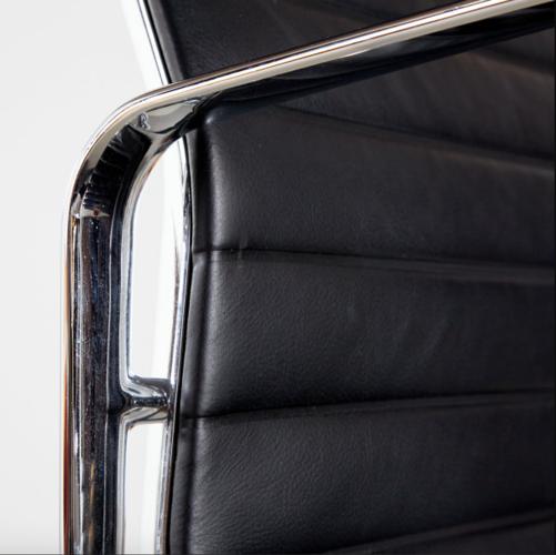 Chaise de bureau EA112 par Charles & Ray Eames