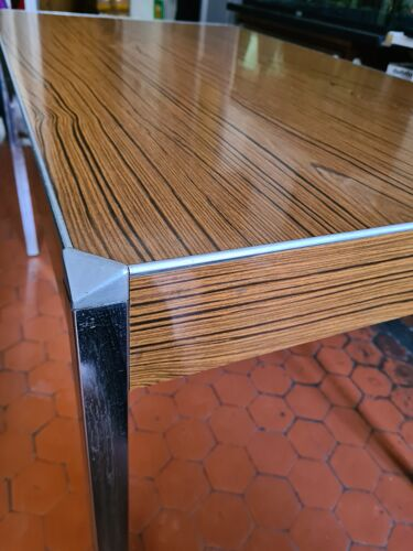 Table en formica et inox