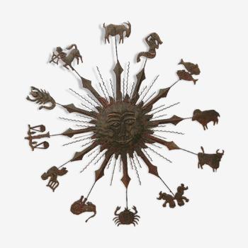Sculpture en fer embouti  signes du zodiaque vintage