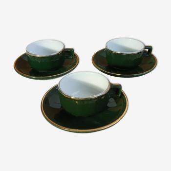 Trois tasses à café de bistrot