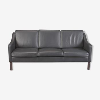 Hurup Mobler three seater black leather sofa, model Manhatten