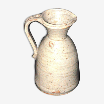 Pitcher sandstone hulotte in Cayus