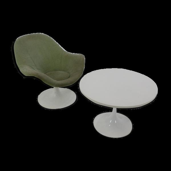 Selency Fauteuil tulip et table mid-century 1960s