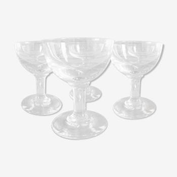 Ensemble de quatre verres