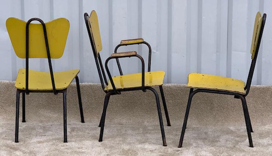 Suite d'un fauteuil et deux chaises vintage