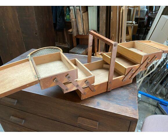 Travailleuse vintage rustique boîte à couture panier