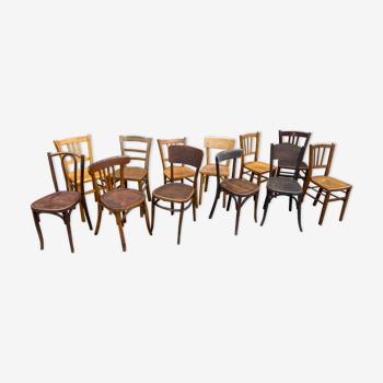 Lot de 12 chaises bistrot dépareillées vintage