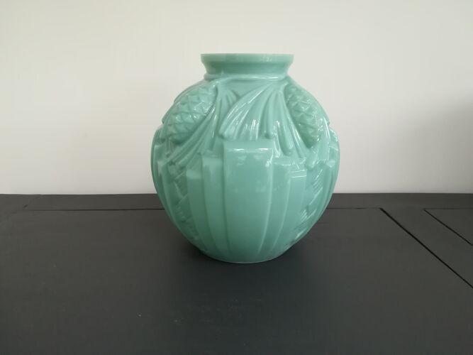 Vase art déco opaline verte