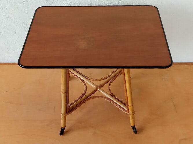 Table d'appoint basse en rotin années 50