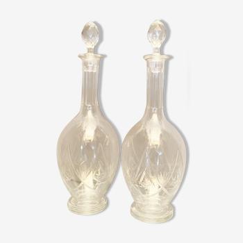 Paire de carafes en cristal taillé