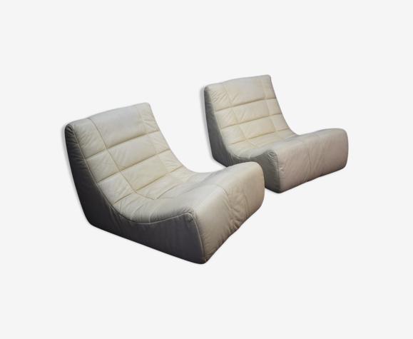 """Chauffeuses modèle """"Saparella"""" créées par Michel Ducaroy en 1965"""