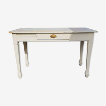 Table ancienne blanche