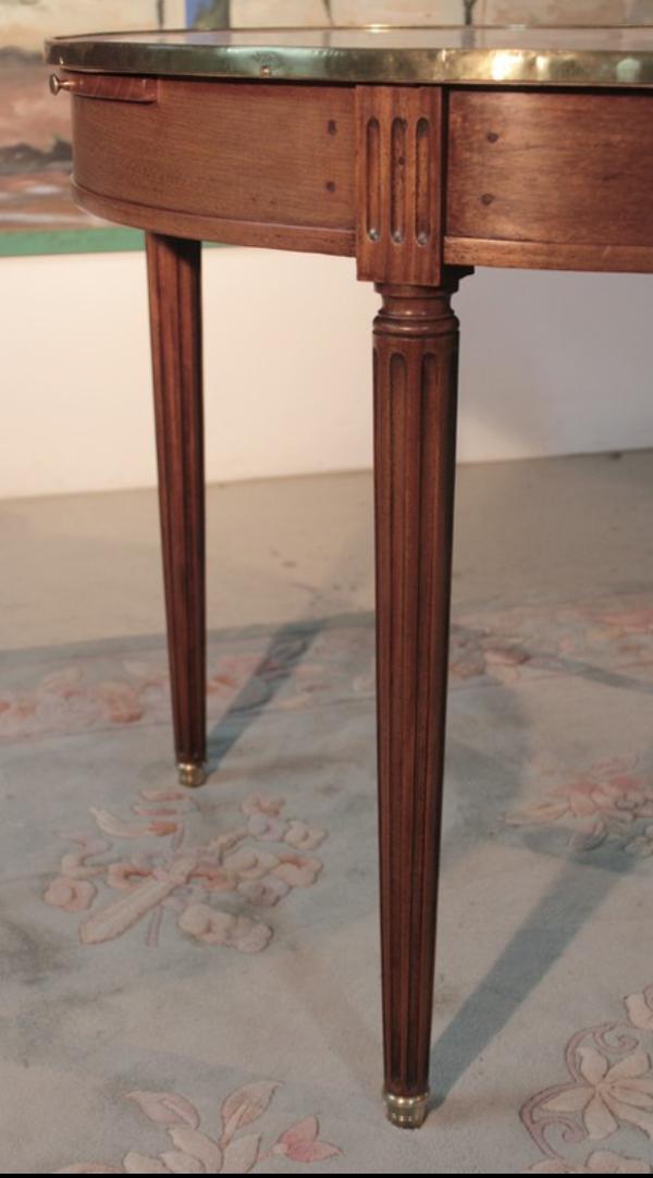 Table bouillotte en acajou XIXème