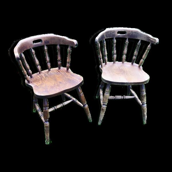 Lot de deux fauteuils saloon estampillés CTC