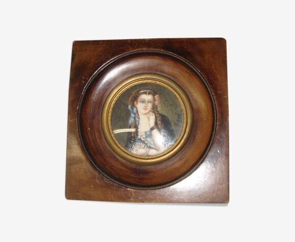 Portrait miniature de femme signé Vigué