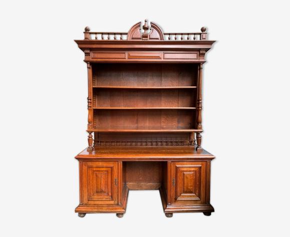 Bibliothèque-bureau dans le style Henri II