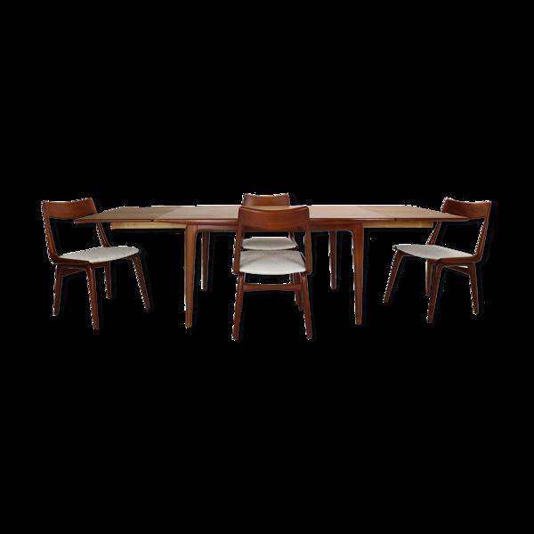 Table et chaises Alfred Christensen Md 371 pour Slagelse Møbelvaerk Boucle