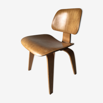 Fauteuil LCW de Charles et Ray Eames 1948