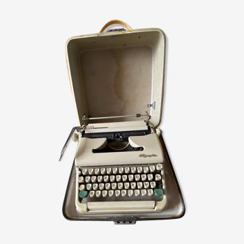 Machine à écrire Olympia SM 5