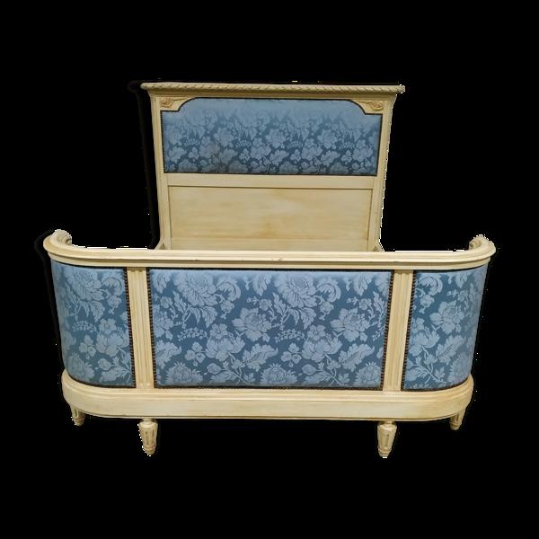Lit de style Louis XVI