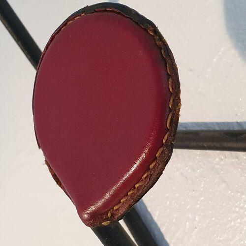 Porte manteaux métal et cuir rouge des années 1950