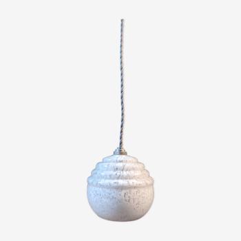 Suspension vintage en verre de Clichy blanc et fil électrique en coton tressé