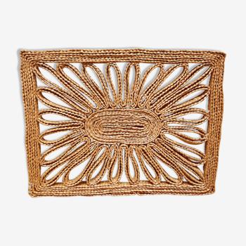 Braided straw flat table mat