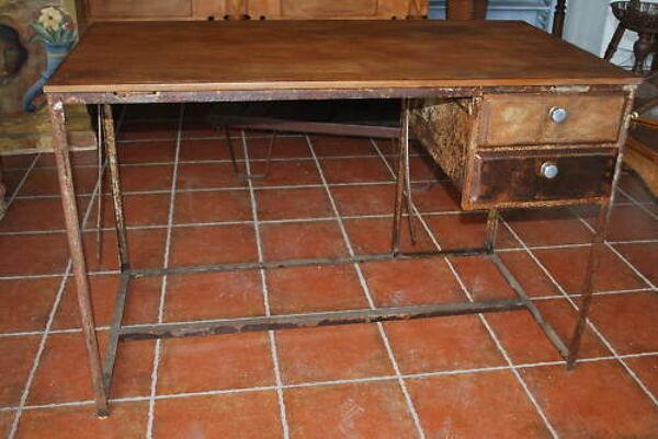 Bureau d'architechte en fer et bois