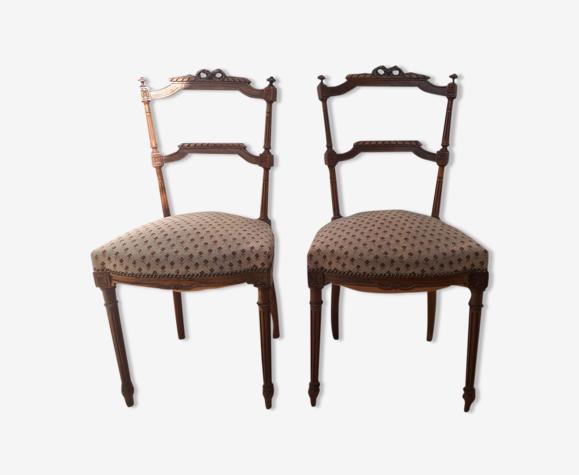 Chaises anciennes de style Louis XVI Directoire du XiXsiècle.