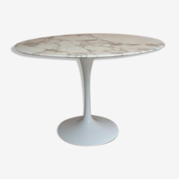 Table ronde marbre d'Eero Saarinen édition Knoll
