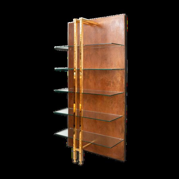 Étagère style moderniste en métal et laiton doré années 1970