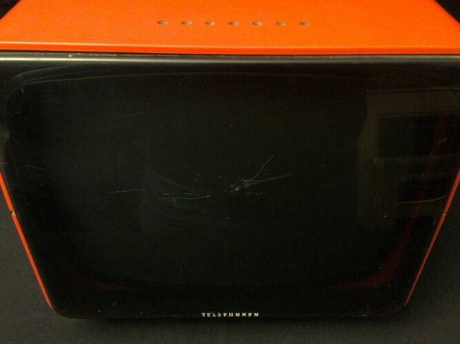 Télé 1970 rouge Telefunken