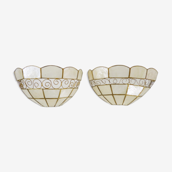 Pair of vintage sconces in open mother-of-pearl and golden brass. Year 60